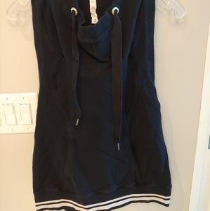 EUC Lululemon sleeveless hoodie pullover